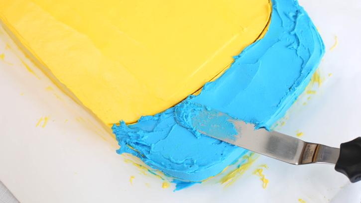 Despicable-Me-Minion-Sheet-Cake_09
