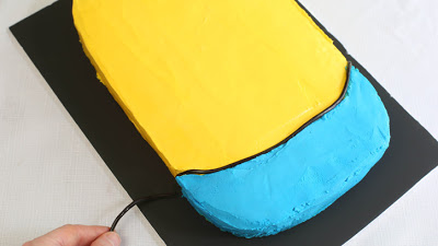 Despicable-Me-Minion-Sheet-Cake_10