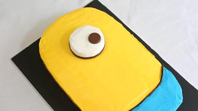 Despicable-Me-Minion-Sheet-Cake_18