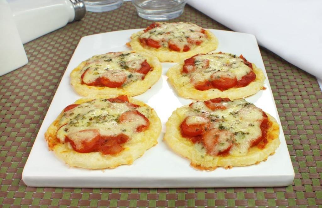 minipizza-de-pao-de-queijo