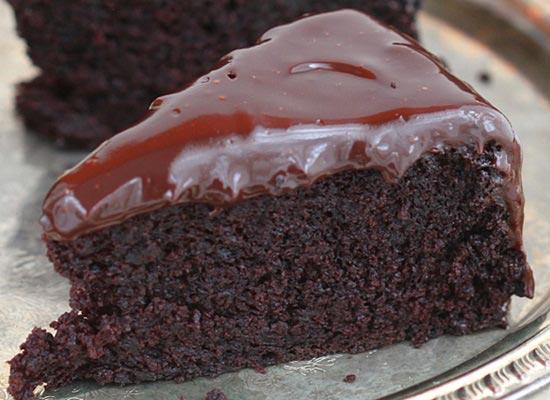 bolo-de-chocolate-e-cafe